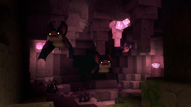 Des cristaux roses dans une grotte